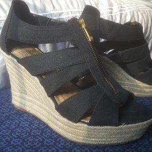 Black Wedge Size 8